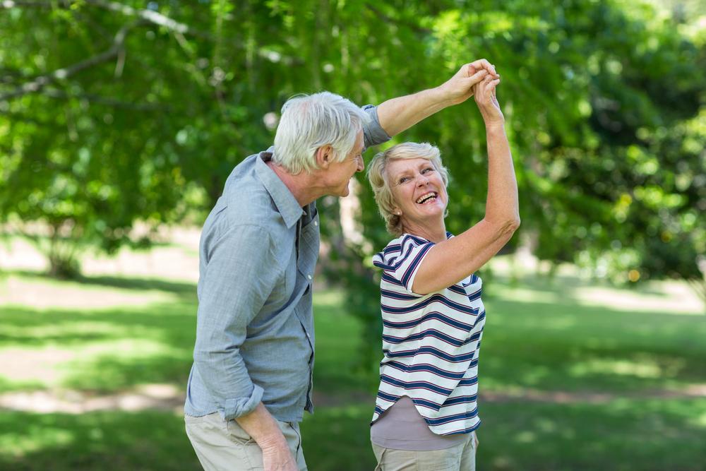 Seniors dancing to improve their mental health